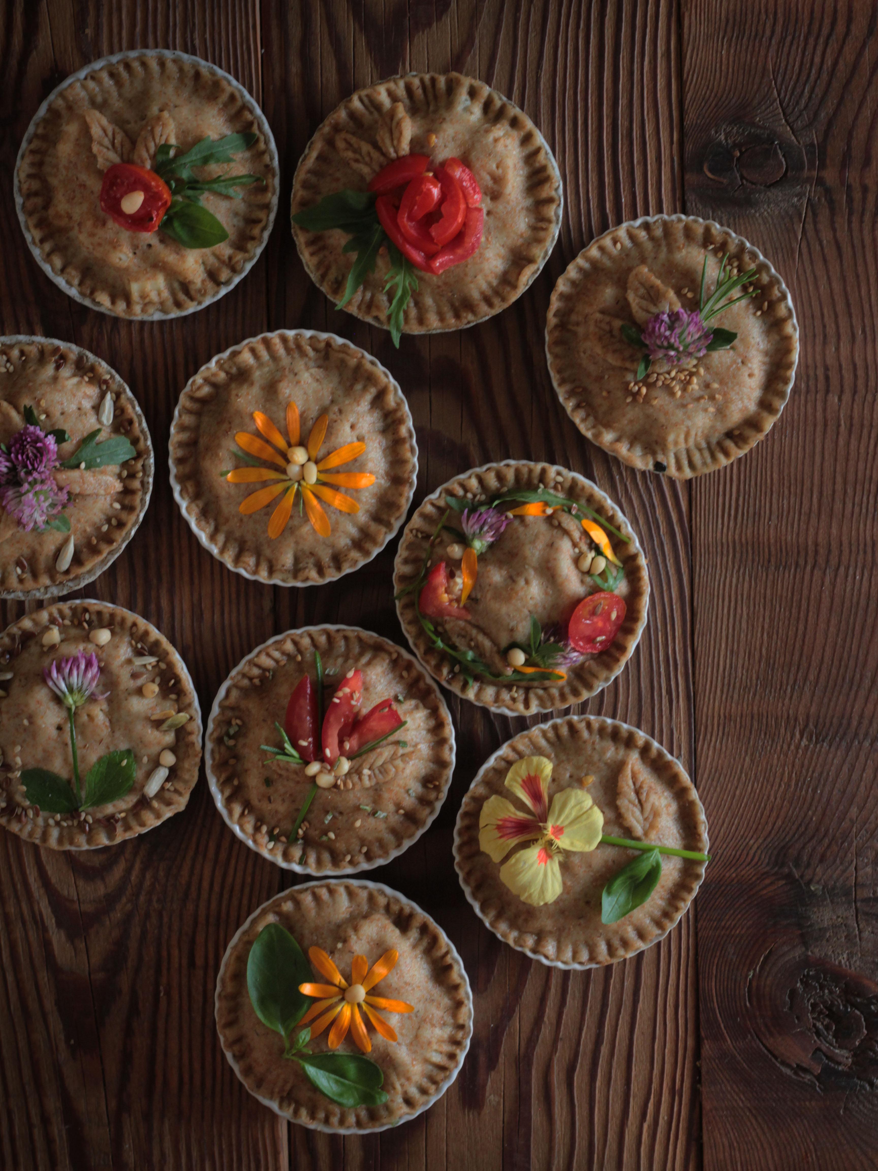 fiori edibili per decorare la torta salata