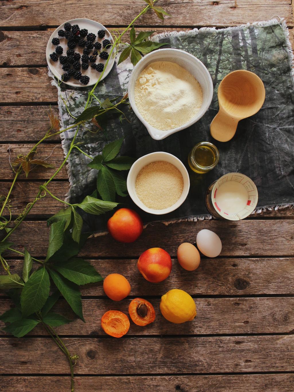 ingredienti per torta morbida alla frutta