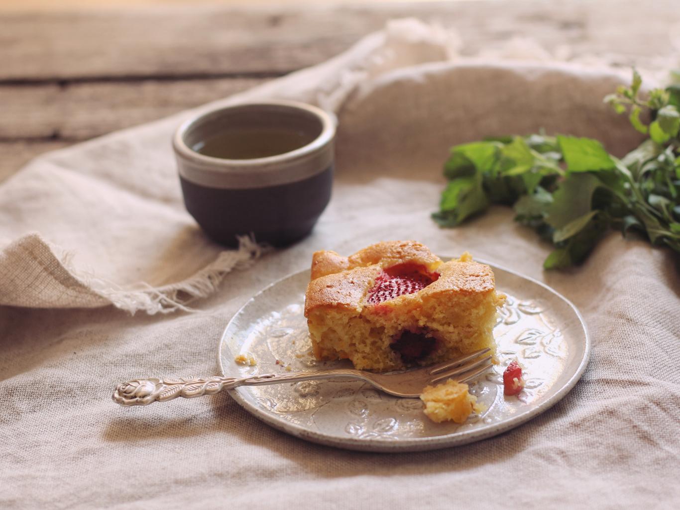 torta alla frutta in cubetti